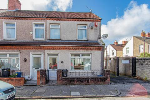 3 bedroom end of terrace house to rent - Nesta Road, Canton