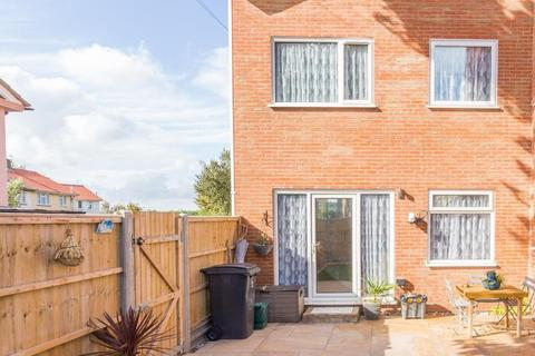 2 bedroom end of terrace house for sale - Canute Road, Deal