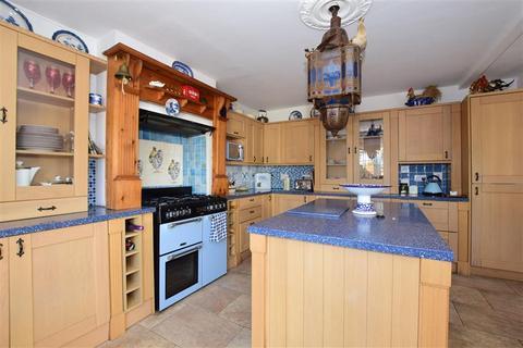 3 bedroom semi-detached house for sale - Butter Hill, Wallington, Surrey