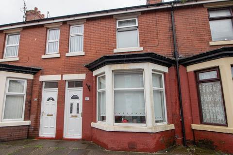 2 bedroom terraced house for sale - Belmont Road, Fleetwood, Lancashire, FY7