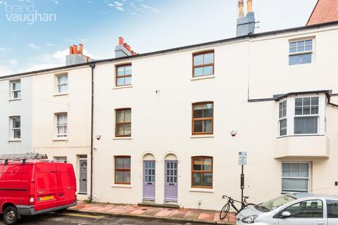 3 bedroom terraced house to rent - Castle Street, Brighton, BN1