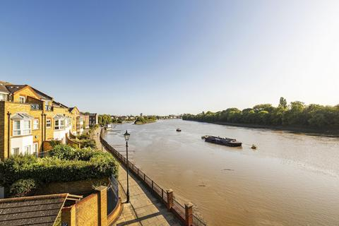 3 bedroom penthouse to rent - Russell Close, Regency Quay, Chiswick, W4