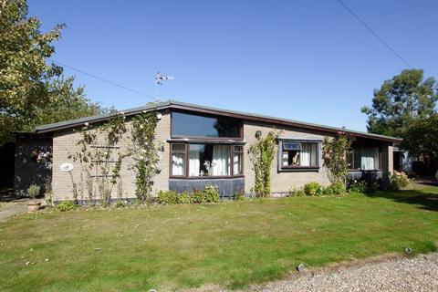 4 bedroom detached bungalow for sale - Lealands Avenue, Tonbridge, TN11
