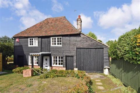 2 bedroom detached house for sale - Underdown Lane, Herne Bay, Kent