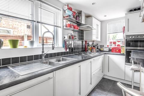 2 bedroom semi-detached house - Staines-Upon-Thames,  Surrey,  TW19