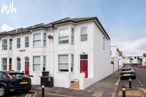 3 bedroom end of terrace house for sale - Montgomery Terrace, Hove BN3