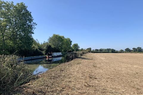 Land for sale - Grand Union Canal, Buckinghamshire, HP22 5JA