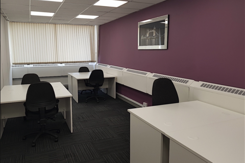 Serviced office to rent - London Road, Morden SM4
