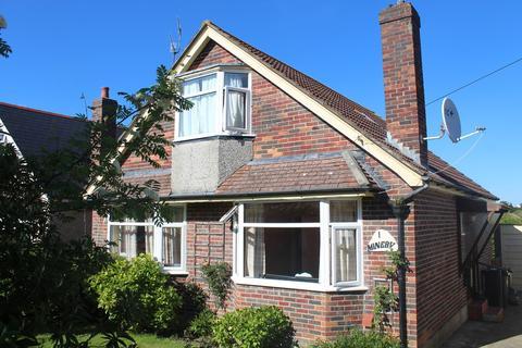 3 bedroom detached bungalow for sale - Lodmoor Avenue, Weymouth