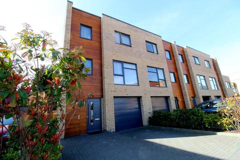 4 bedroom townhouse to rent - Leckhampton Place, Leckhampton Road