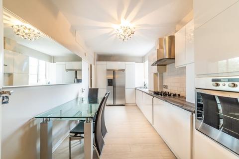2 bedroom apartment to rent - Moor Court, Westfield NE3