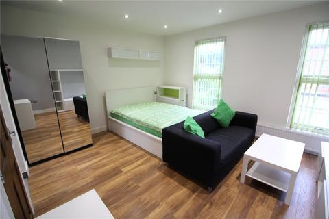 Studio to rent - Chatham Street, Reading, Berkshire, RG1