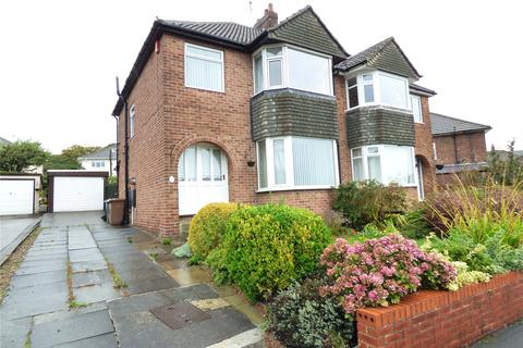 3 bedroom semi-detached house to rent - Simpson Grove, Idle, West Yorkshire, BD10