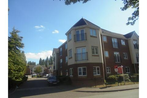 2 bedroom apartment to rent - The Avenue