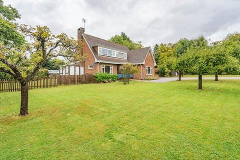 3 bedroom detached house to rent - London Road, Tunbridge Wells