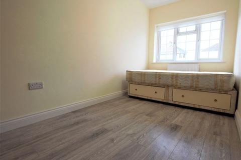 Property to rent - Summers Lane, Finchley N12