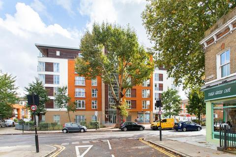 1 bedroom apartment to rent - Tredegar Road, London