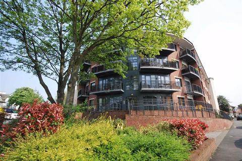 2 bedroom flat to rent - Regent Court, Manchester