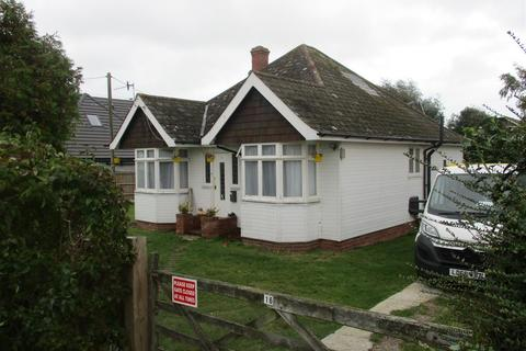 3 bedroom detached bungalow to rent - Pebsham Drive, Bexhill-On-Sea