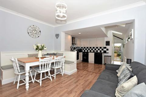 3 bedroom semi-detached house for sale - Upton Road, Bexleyheath, DA6