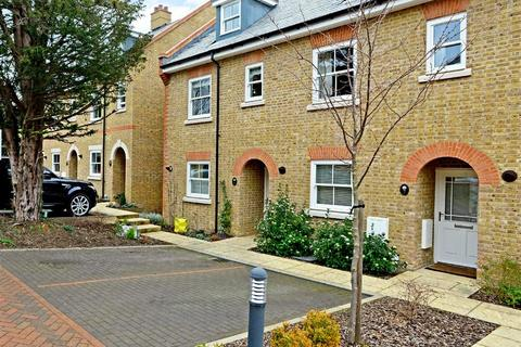 3 bedroom townhouse to rent - New Manor Croft Berkhamsted Hertfordshire