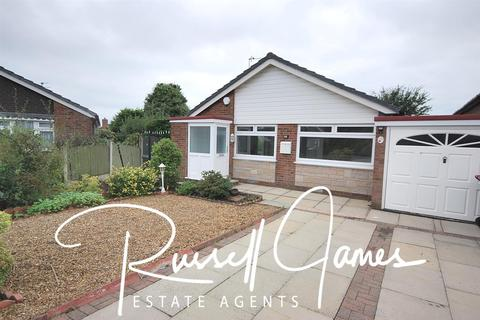 2 bedroom semi-detached bungalow to rent - Sandringham Road, Boothstown, Manchester