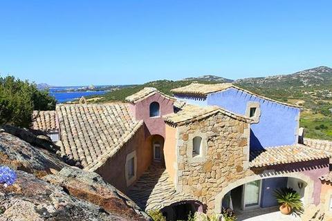 6 bedroom villa - Cala Dei Ginepri, Sardinia