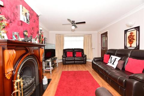 3 bedroom semi-detached house for sale - Gray Gardens, Rainham, Essex