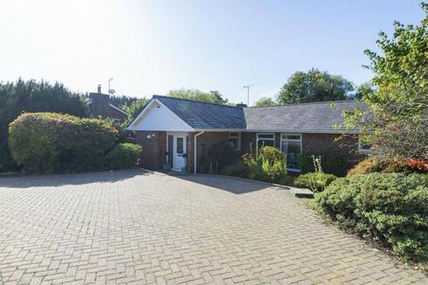 4 bedroom detached bungalow for sale - Hasteds, Hollingbourne, ME17