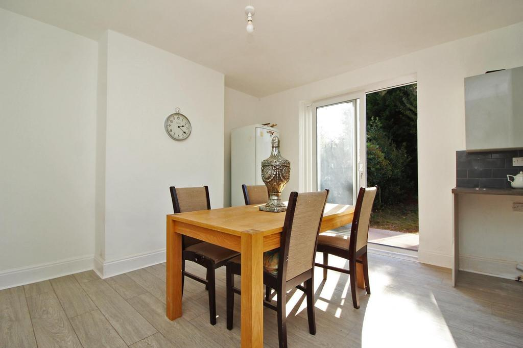 Family Room/ Dining