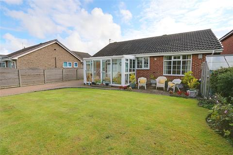 3 bedroom bungalow for sale - Northfield, Swanland, North Ferriby, East Yorkshire, HU14