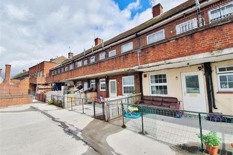 2 bedroom flat for sale - Panfield Mews, Cranbrook Road, Ilford, Essex, IG2 6EZ