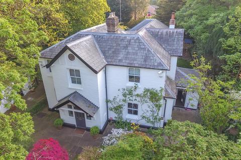 5 bedroom detached house for sale - VICTORIAN SPLENDOUR. TRUSS HILL ROAD, SUNNINGHILL, ASCOT, BERKSHIRE, SL5 9AL