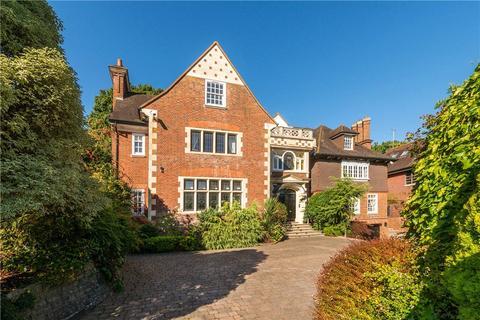 8 bedroom detached house for sale - Courtenay Avenue, London, N6