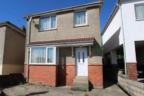 3 bedroom detached house for sale - Southill Road, Bournemouth, Dorset, BH12 3AW