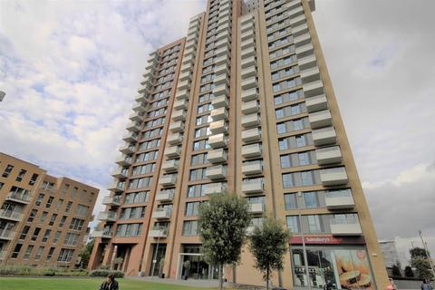 3 bedroom flat to rent - Jefferson Plaza, London, E3 3QB