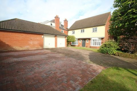 4 bedroom detached house for sale - Wood Avenue, Hockley