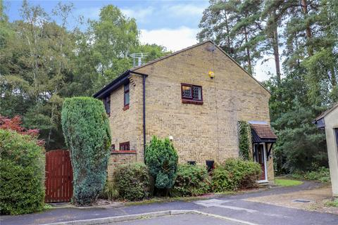 3 bedroom semi-detached house to rent - Hythe Close, Forest Park, Bracknell, Berkshire, RG12