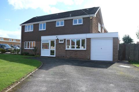 5 bedroom detached house to rent - Mill Lane, Bentley Heath