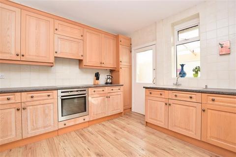 4 bedroom bungalow for sale - Leatherhead Road, Ashtead, Surrey