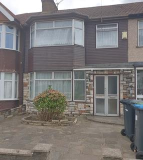 3 bedroom semi-detached house to rent - Nightingale Road, Enfield