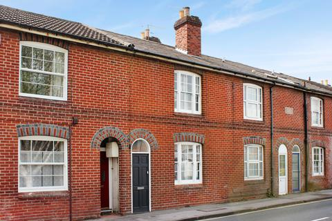 2 bedroom terraced house to rent - Bar End Road, Winchester