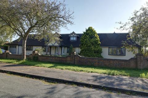 6 bedroom bungalow for sale - Roe Lane, Newcastle