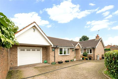 3 bedroom detached bungalow for sale - North Drive, High Legh, Knutsford, Cheshire, WA16