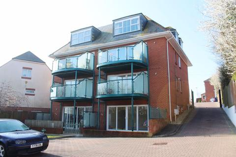 2 bedroom flat to rent - KINGFISHER COURT, GOLDCROFT AVENUE