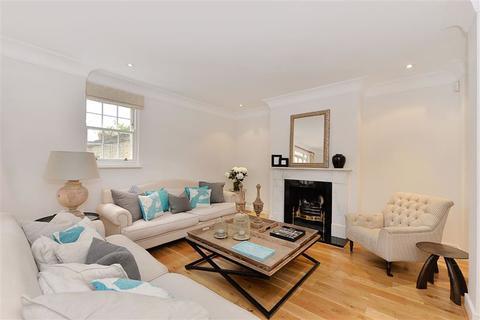 4 bedroom mews to rent - Montagu Mews West, Marylebone, London, W1H