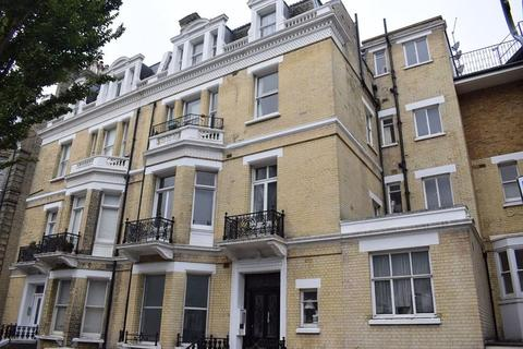 Studio to rent - First Avenue, Hove, BN3 2FH.