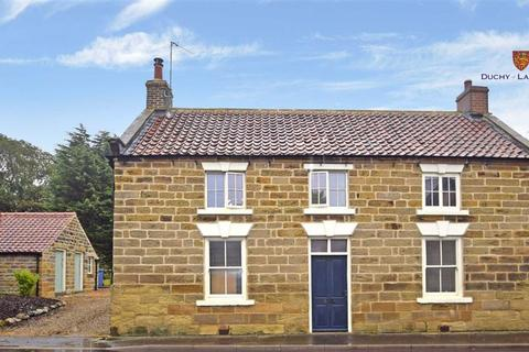 2 bedroom detached house to rent - High Street, Cloughton, North Yorkshire, YO13