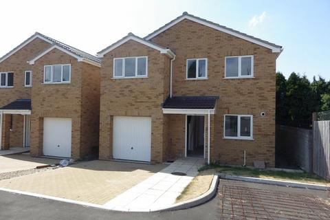 4 bedroom detached house to rent - St. Teresas Court, Gloucester Road North, Bristol