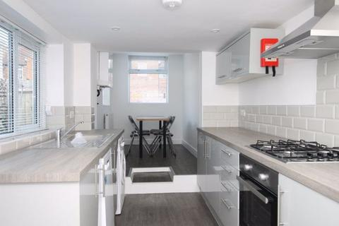 Property to rent - Newlands Road, West Sussex